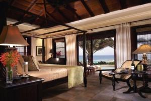 dill-residence_master-bedroom1-900x600